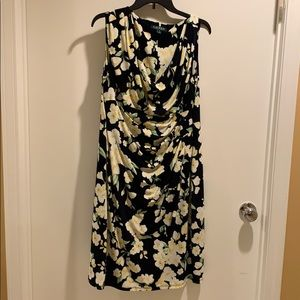 Lauren by Ralph Lauren Beautiful floral dress.